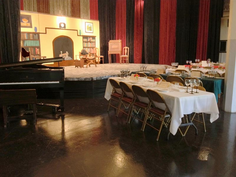 Dinner theatre configuration Crown Hall