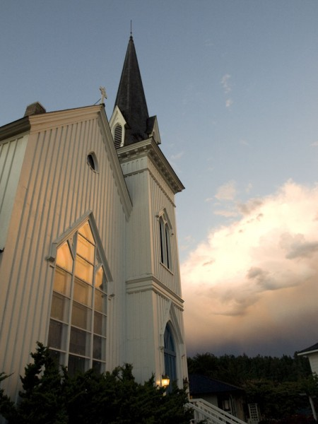 Local landmarks include the Mendocino Presbyterian Church